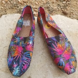 Toms flower shoes